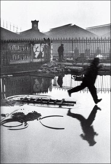 time-100-influential-photos-henri-cartier-bresson-behind-gare-saint-lazare-18